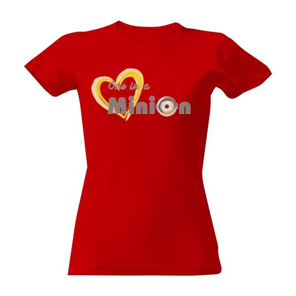 b7f6a35c1db0 T-shock tričko s potiskem One in a minion dámské Červená S